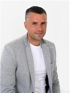 Associate in Training - Fabio Moscarda - RE/MAX Centar nekretnina 2