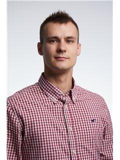 Associate in Training - Toni Ilakovac - RE/MAX Commercial
