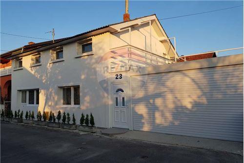 بيت مستقل - للبيع - Donja Dubrava, كرواتيا - 19 - 300261072-7