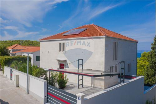 Vila - Za prodaju - Postira, Hrvatska - 105 - 300511002-342