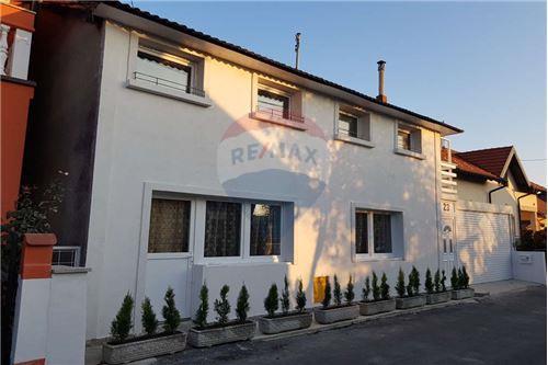 بيت مستقل - للبيع - Donja Dubrava, كرواتيا - 18 - 300261072-7