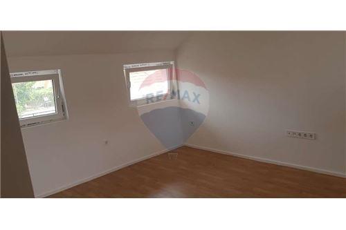 بيت مستقل - للبيع - Donja Dubrava, كرواتيا - 25 - 300261072-7