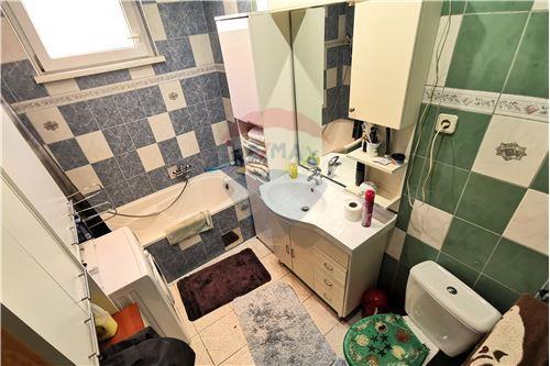 Kuća  - Za prodaju - Prelog, Hrvatska - Kupaonica - 300541002-129