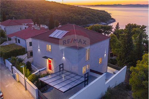 Vila - Za prodaju - Postira, Hrvatska - 103 - 300511002-342