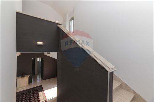 Vila - Za prodaju - Postira, Hrvatska - 139 - 300511002-342