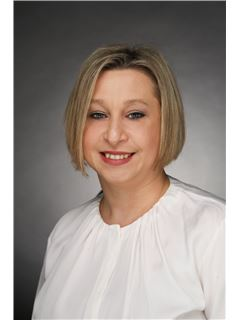 Associate - Aneta Bakowska - REMAX Central in Frankfurt