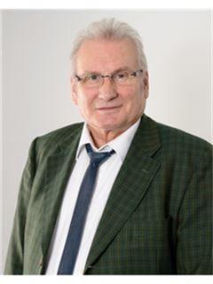 Hans-Joachim Fesel - Mergenthaler Immobilien AG, RE/MAX in Waiblingen