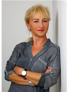 Associate - Manuela Braun - REMAX Immobilienzentrum in Jena