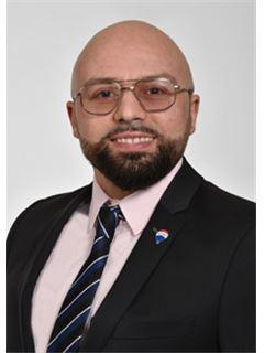 Aziz Taidioui - RE/MAX Immobilien in Mülheim an der Ruhr