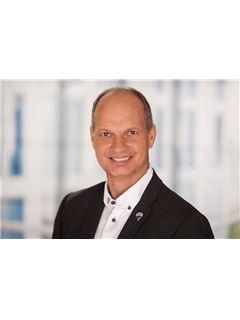 Associate - Frank Friedrich - REMAX Homefinders in Hofheim
