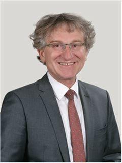 Bernd Mergenthaler - Mergenthaler Immobilien AG, RE/MAX in Waiblingen