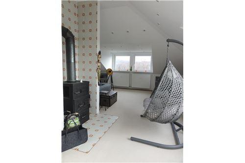 Mieszkanie Wynajem Kelkheim 320531011 325