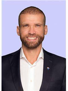 Broker/Owner - Martin Zajac - REMAX in Berlin-Karow
