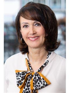 Verena Schmaling - RE/MAX Consultants