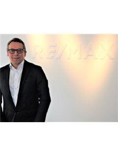 Oleg Korolev - InteReal GmbH & Co. KG/ Remax Düsseldorf-Mitte