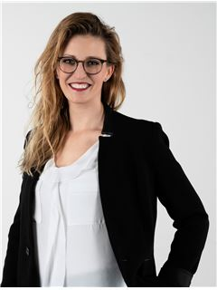 Associate - Sandra Seiwert - REMAX in Dillingen