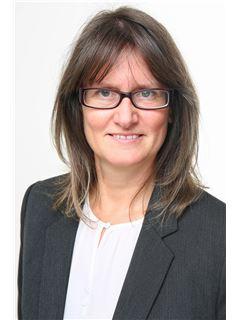 Associate - Christina Graf - REMAX in Kaiserslautern