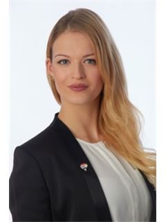 Simone Holl - Remax Immobilien Galerie