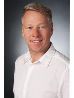 Andreas Schulz - RE/MAX Consultants