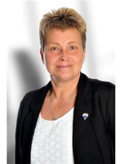 Associate - Silvia Ruh - REMAX in Müllheim
