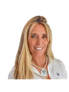 Karina Corrado - RE/MAX Total  (I)