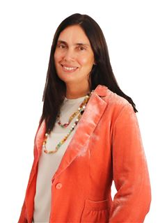 Gabriela Tirado - RE/MAX Data House