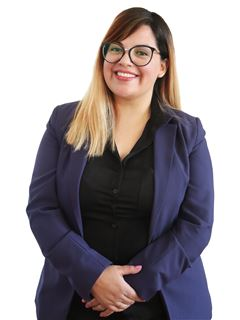 Associate in Training - Erica Roxana Sarmiento - RE/MAX Data House