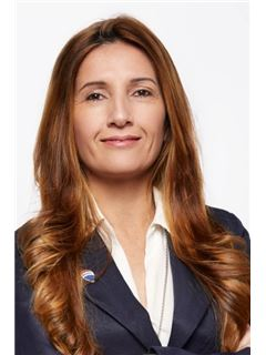 Marcela Escobar - RE/MAX Logros