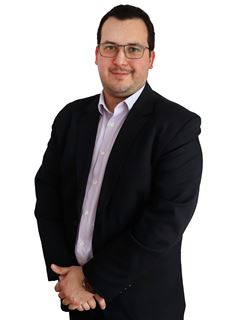 Eduardo Cardeza - RE/MAX Data House