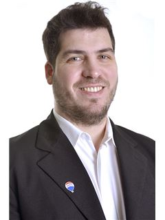 Associate in Training - Alejandro Lamberti - RE/MAX Profesional