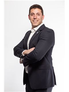 Yamil Roude - RE/MAX Global Top