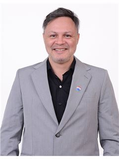 Javier Daniel Vallejos - RE/MAX Liberty