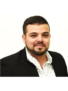 Associate in Training - Pablo Ortiz - RE/MAX Select