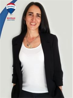 Marcela Vidal - RE/MAX Solutions