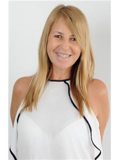 Ester Cabuli - RE/MAX Liberty