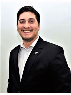 Joan Emanuel Barcia - RE/MAX Elite