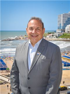 Claudio Larrosa - RE/MAX Feliz