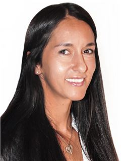 Laura Bortot - RE/MAX Patagón