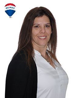 Associate in Training - Karina Pacheco - RE/MAX Buró II