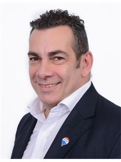 Eduardo Wain - RE/MAX Liberty