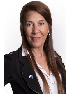 Sonia Hours - RE/MAX Oportunidades