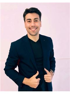 Associate in Training - Maximiliano Falero Furquin - RE/MAX Fortaleza