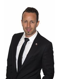 Nicolas Riveros - RE/MAX Excelencia