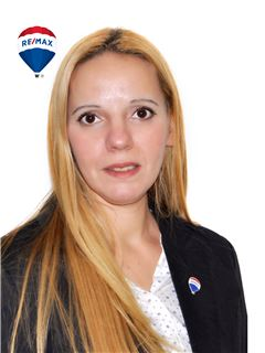 Kelly Natacha Borba Otero - RE/MAX Buró II