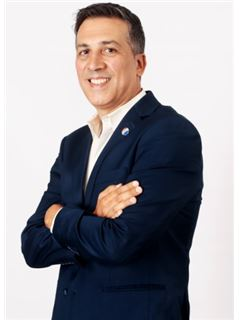 Adrián Ponce - RE/MAX Total (IV)
