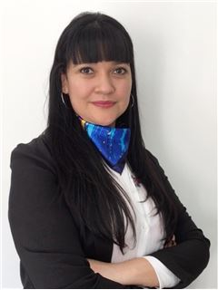Paula Luna - RE/MAX Elite