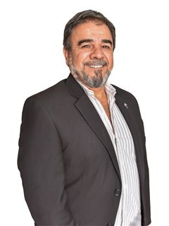 Diego Valdez - Realtor and Real Estate Agent at RE/MAX Total  (I)
