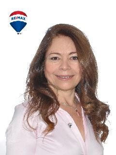 Mónica Casiano - RE/MAX Buró II