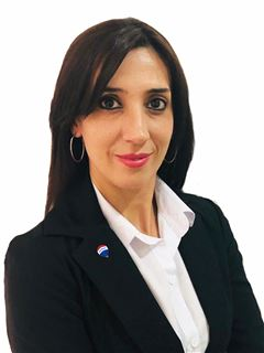 Associate in Training - Alejandra Galli - RE/MAX Confluencia