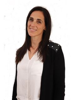 en formación - Veronica Lamoisse - RE/MAX Data House